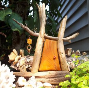 Beachcomber Fairy Door - Garden Fairy Doors - GardenFairies.ca
